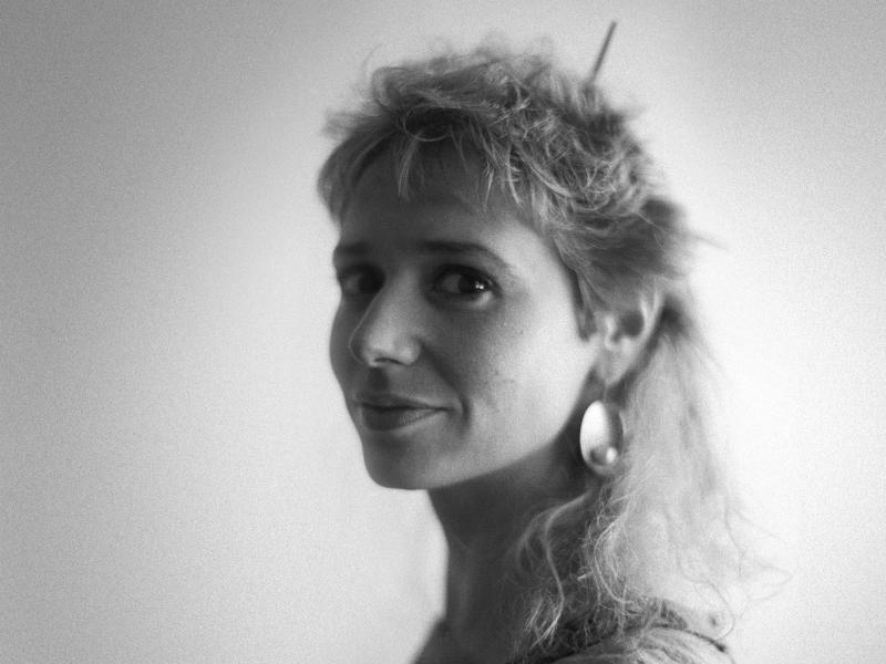 Vivien Goldman at her Ladbroke Grove apartment, London, UK 1987